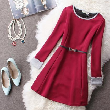 Slim round neck long-sleeved dress ..