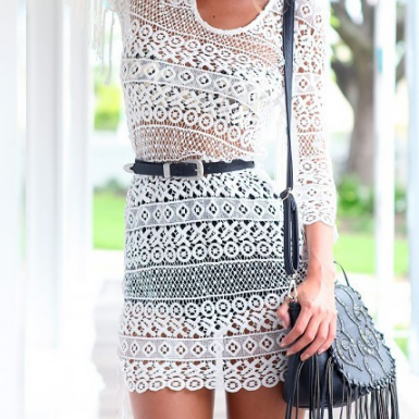 Fashion round neck white lace dress..