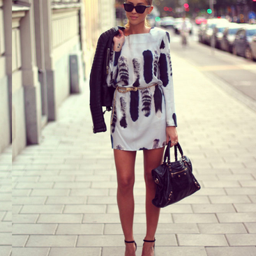 SEXY PRINTED LONG-SLEEVED DRESS